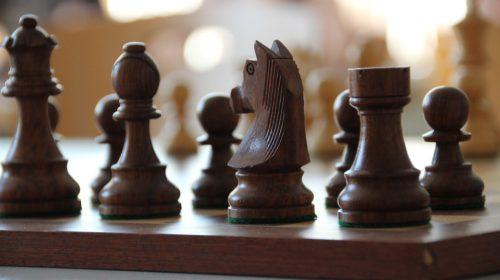 jeu échec en bois